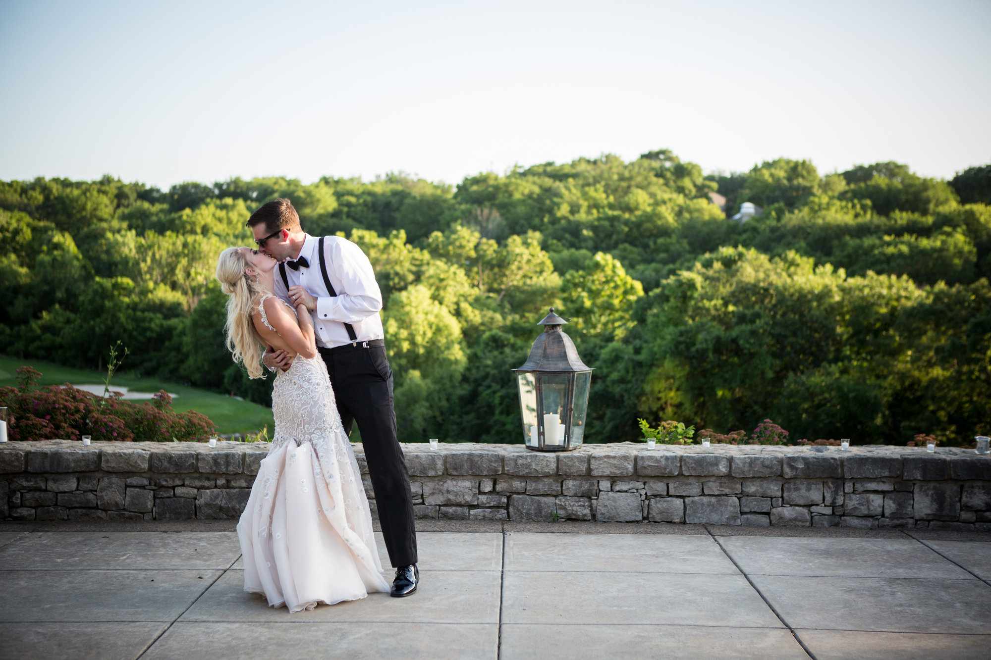 Real Weddings: Natalie + Mike – Romantic Kansas City Golf Club Wedding